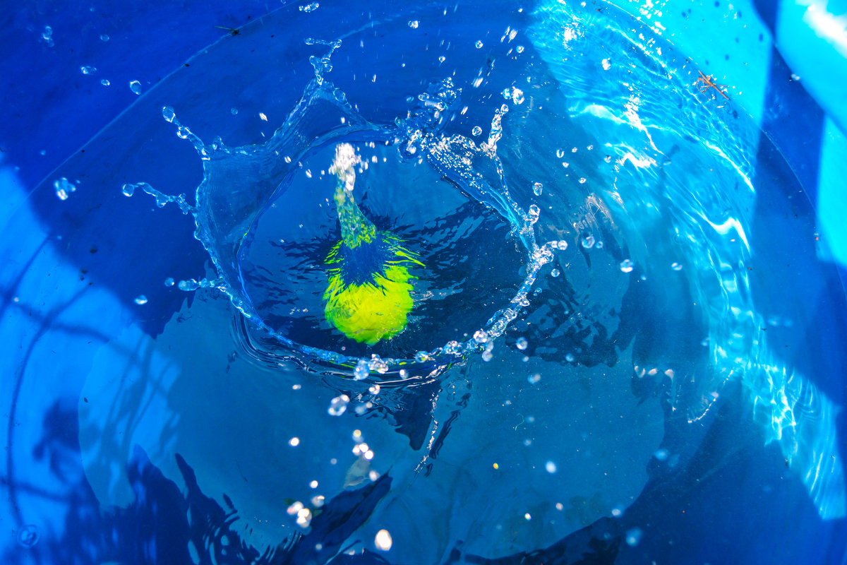 упал мячик в воду - Света Кондрашова