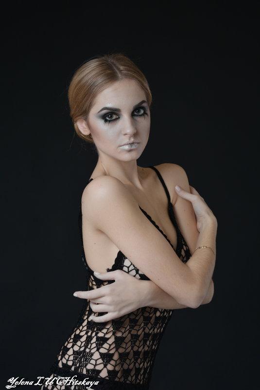 Портрет - Yelena LUCHitskaya
