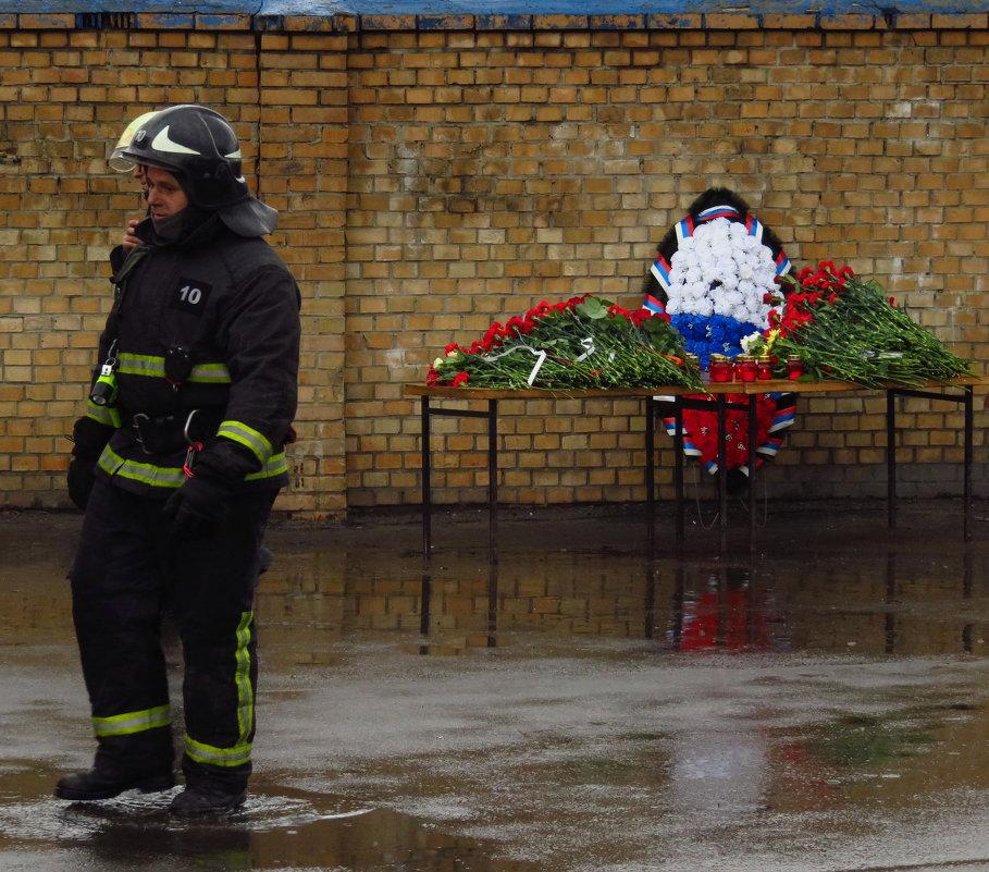 Они - настоящие герои - Андрей Лукьянов