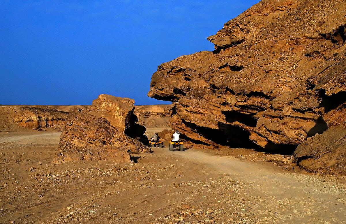 Гонки по пустыне - Alexander Andronik