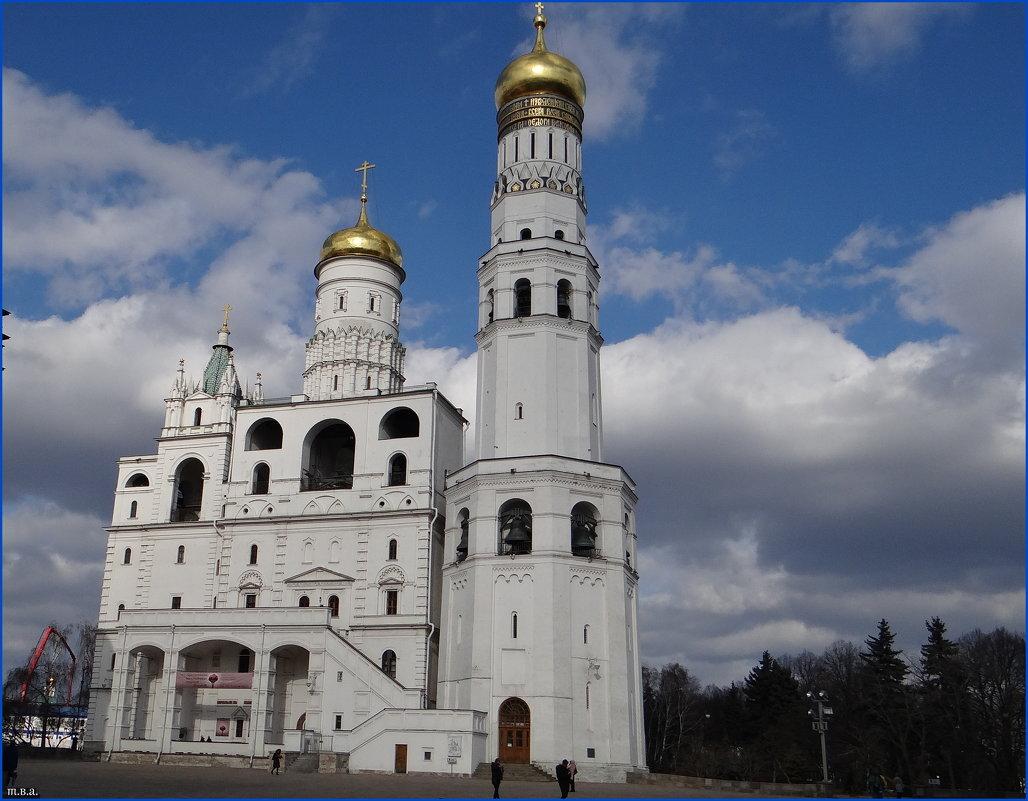Колокольня Ивана Великого Московского Кремля - Вера