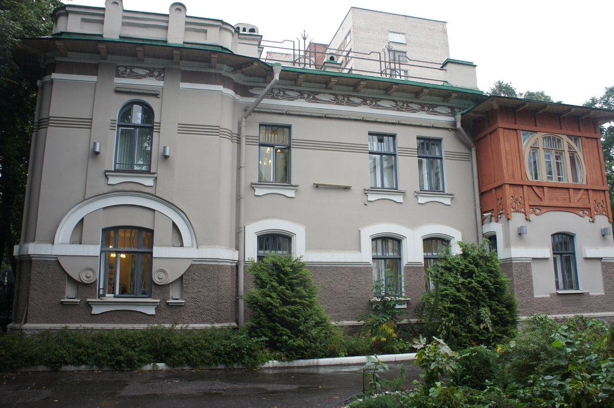 Особняк на Институтском пр., 21 называют домом Кайгородова. - Елена Павлова (Смолова)