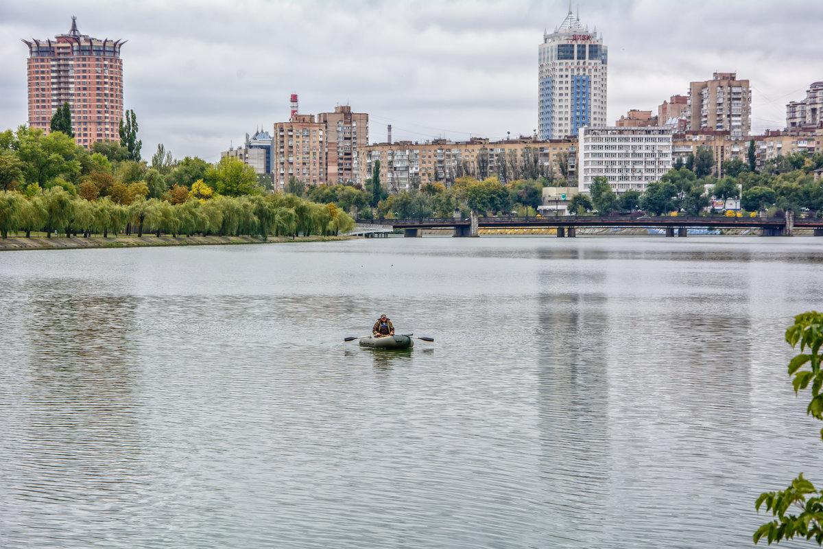 Одинокий рыболов - Юрий Шапошник