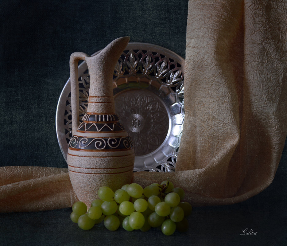 Кувшин и виноград - Галина Galyazlatotsvet