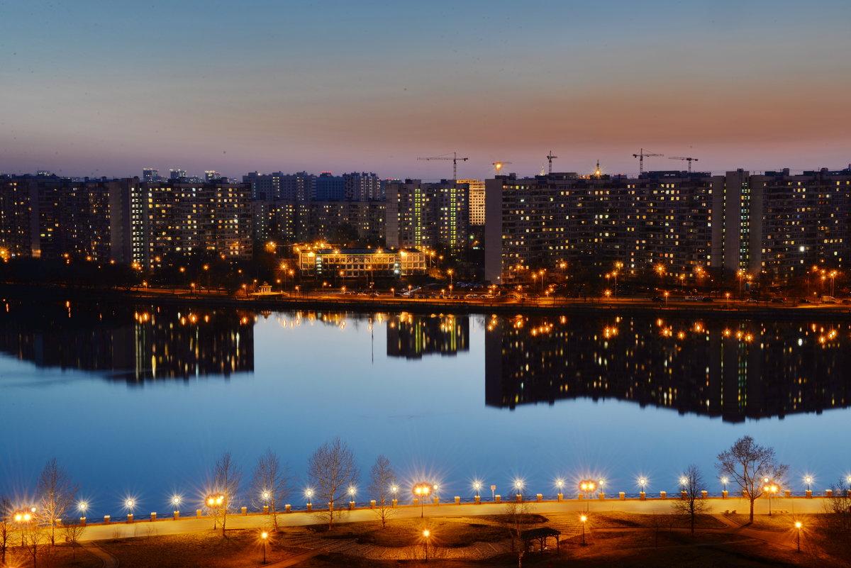 Ночной город - Владимир Брагилевский