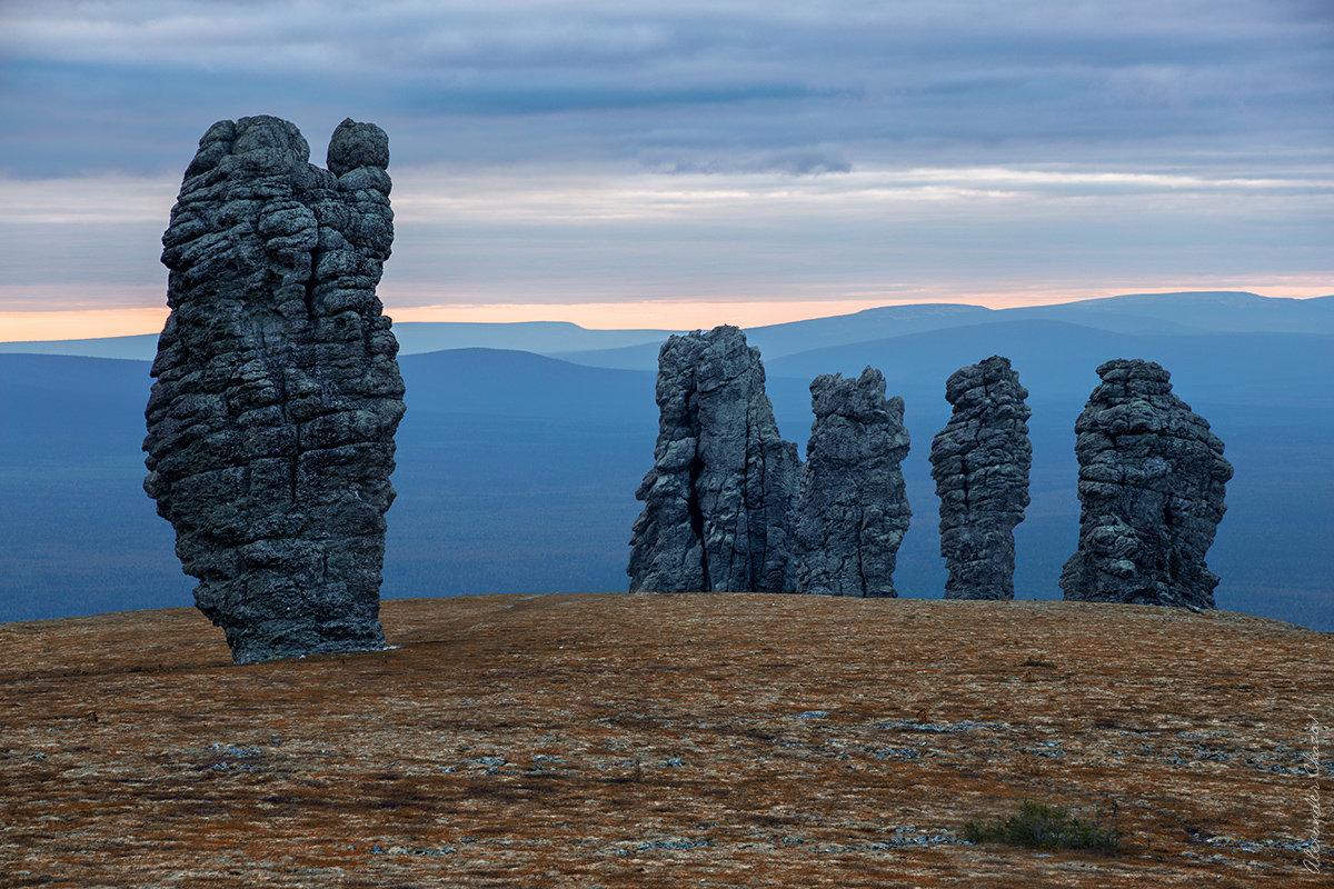 Каменные стражи - Александр Чазов