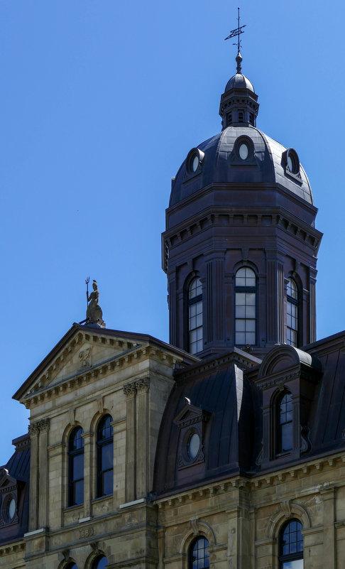 Фрагмент здания Законодательного Собрания (Нью-Брансвик, Канада) - Юрий Поляков