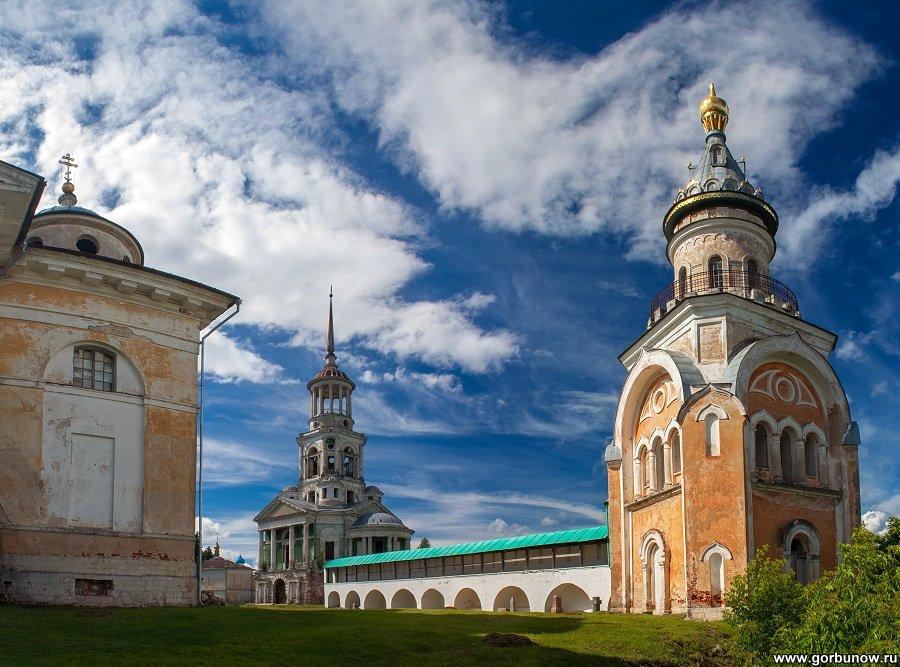 Надвратная и Свечная церкви Новоторжского Борисоглебского монастыря - Александр Горбунов
