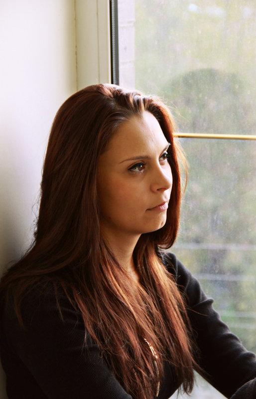 на окне - Tiana Ros