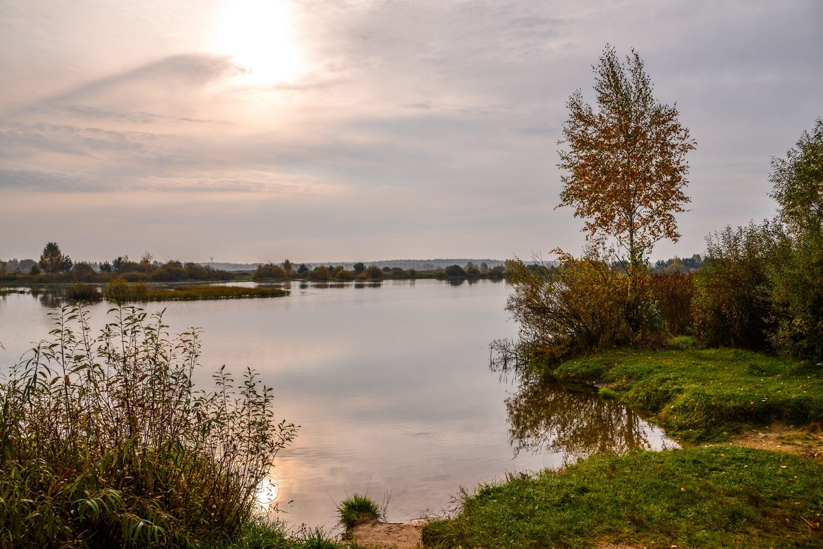 Осеннее утро на озере - Юрий Бичеров