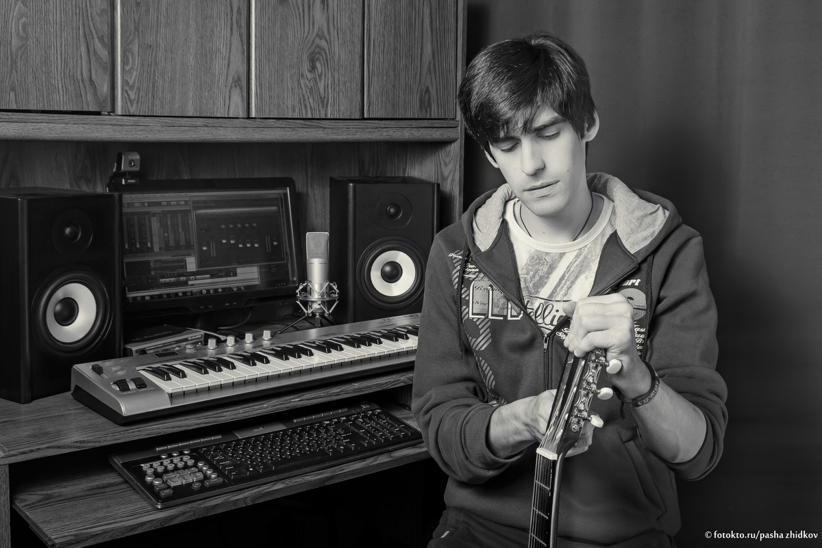 music man - Pasha Zhidkov