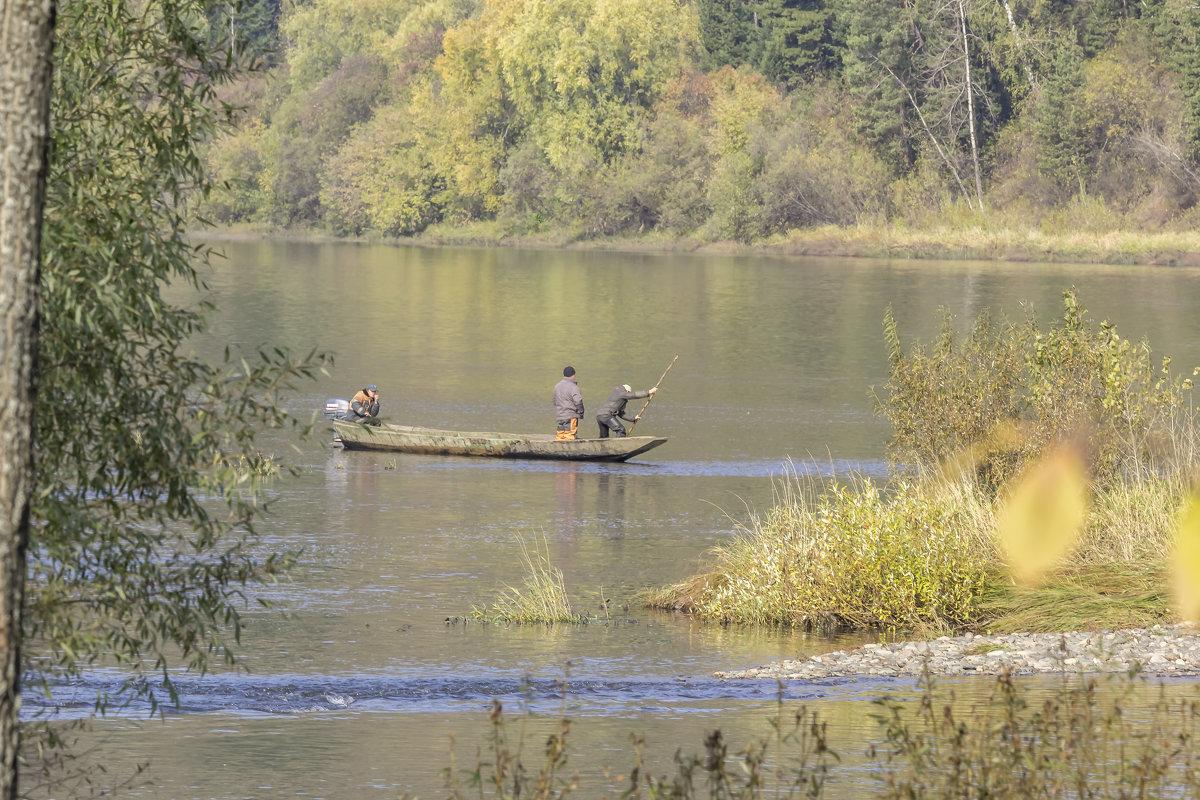 Рыбаки ловили рыбу... - Евгений Голубев