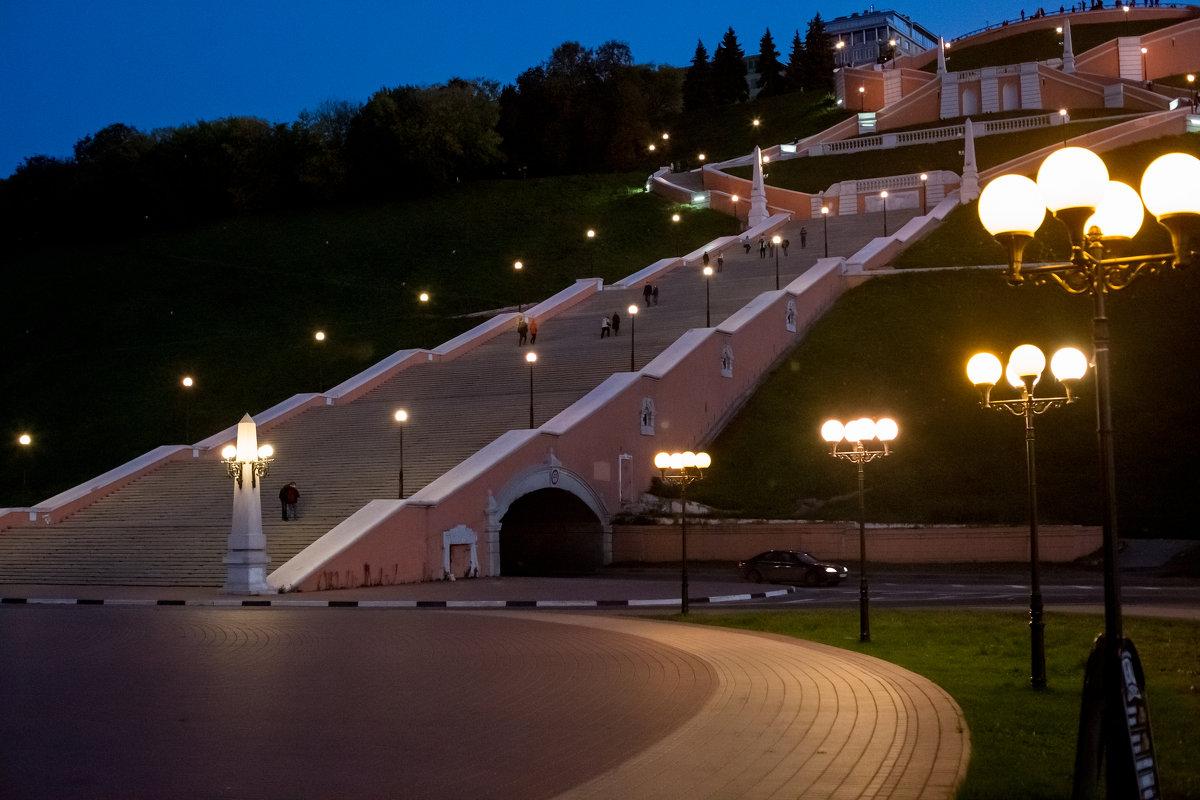 Вверх по лестнице (588 ступенек) - ИГОРЬ ЧЕРКАСОВ