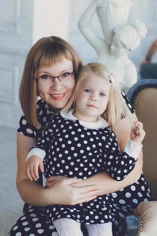 Светлана и Мила - Ольга Степанова