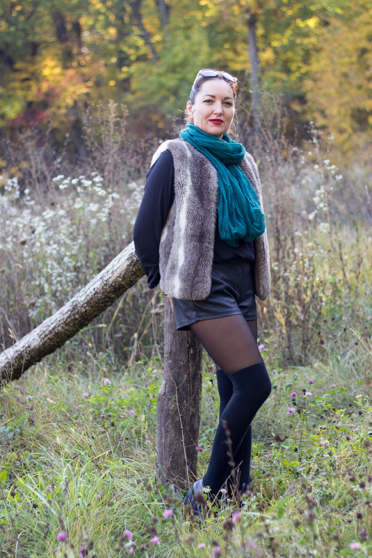 Прогулка по осеннему лесу - Анна
