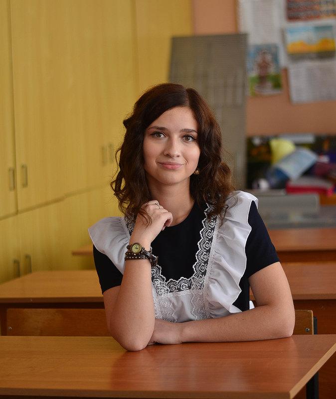 Школа:) - Юлия ))))