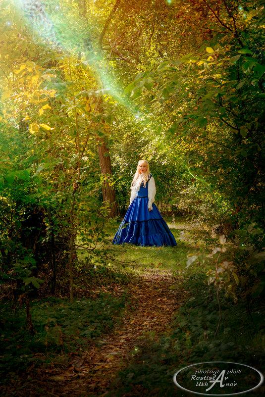 девушка в лесу - Ростислав Уханов