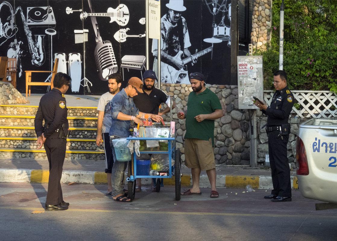 Таиланд. Паттайя. Тайская полиция не шутит - Владимир Шибинский
