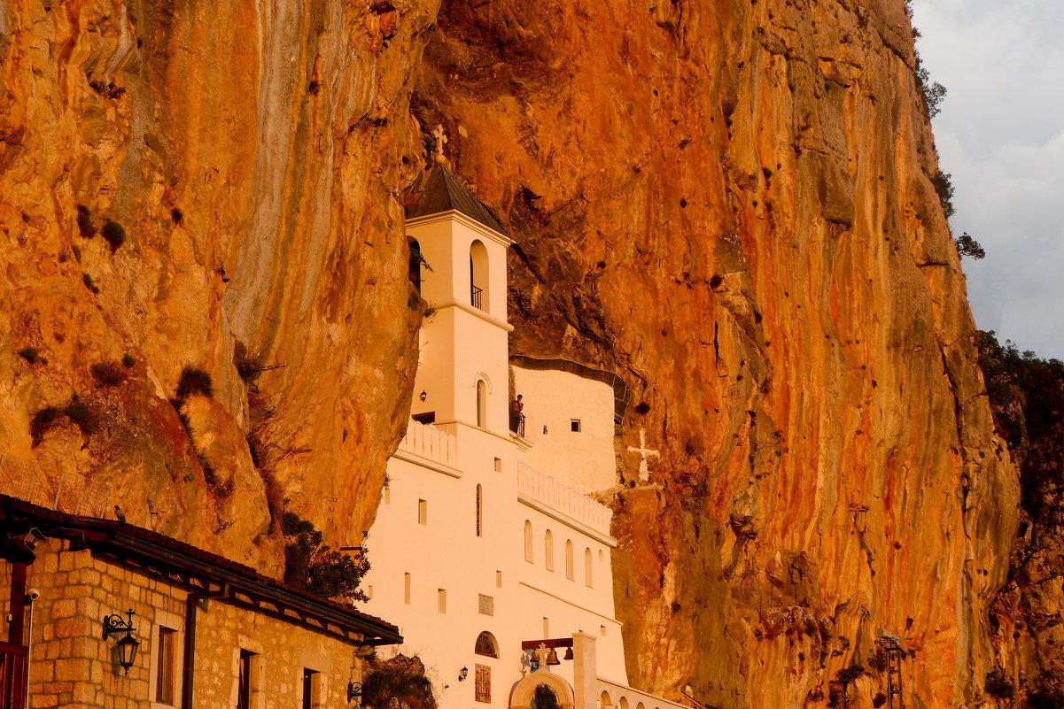 Монастырь в скале - Светлана Игнатьева