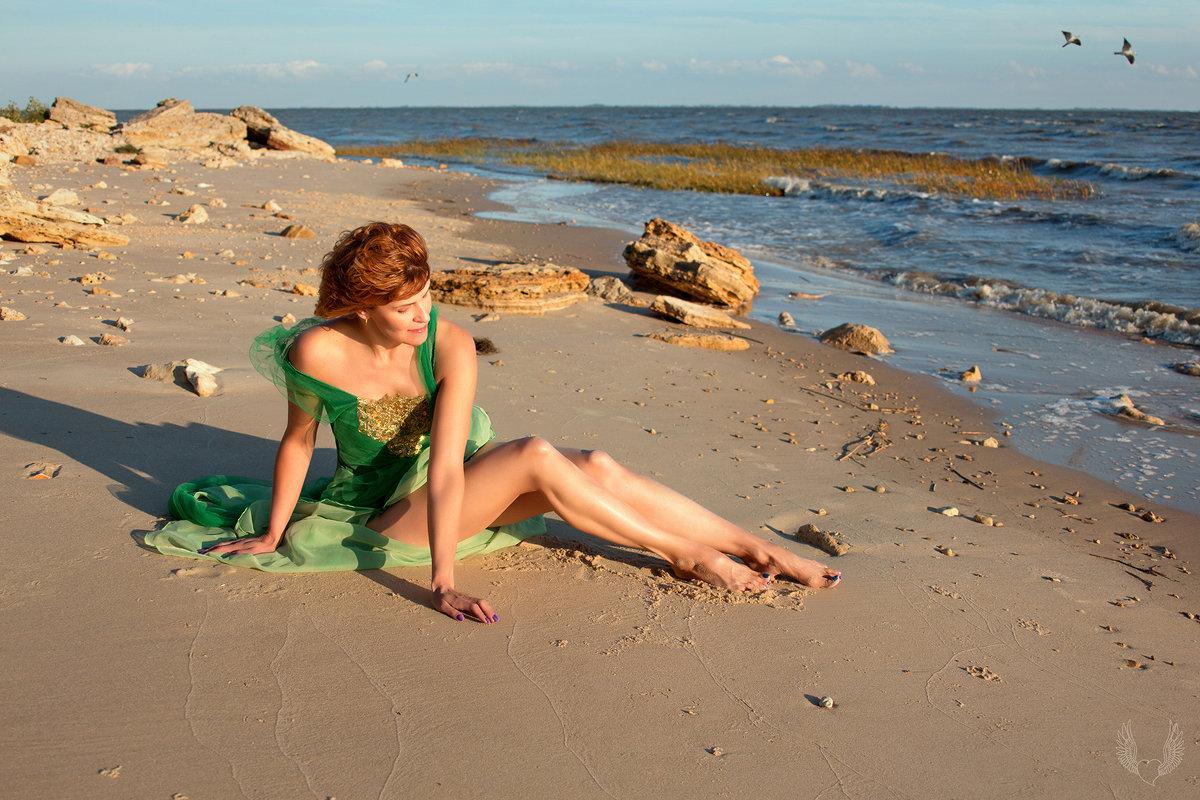 Девушка у моря... - Райская птица Бородина