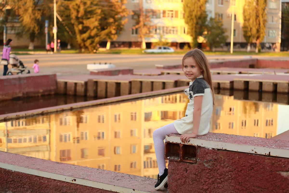 Барбара на вечерней прогулке. - Пётр Четвериков