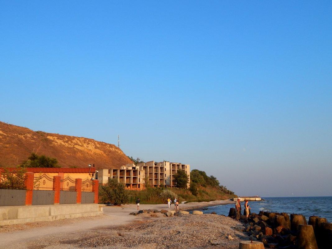 прогулянка пляжем - Maria Jankiv