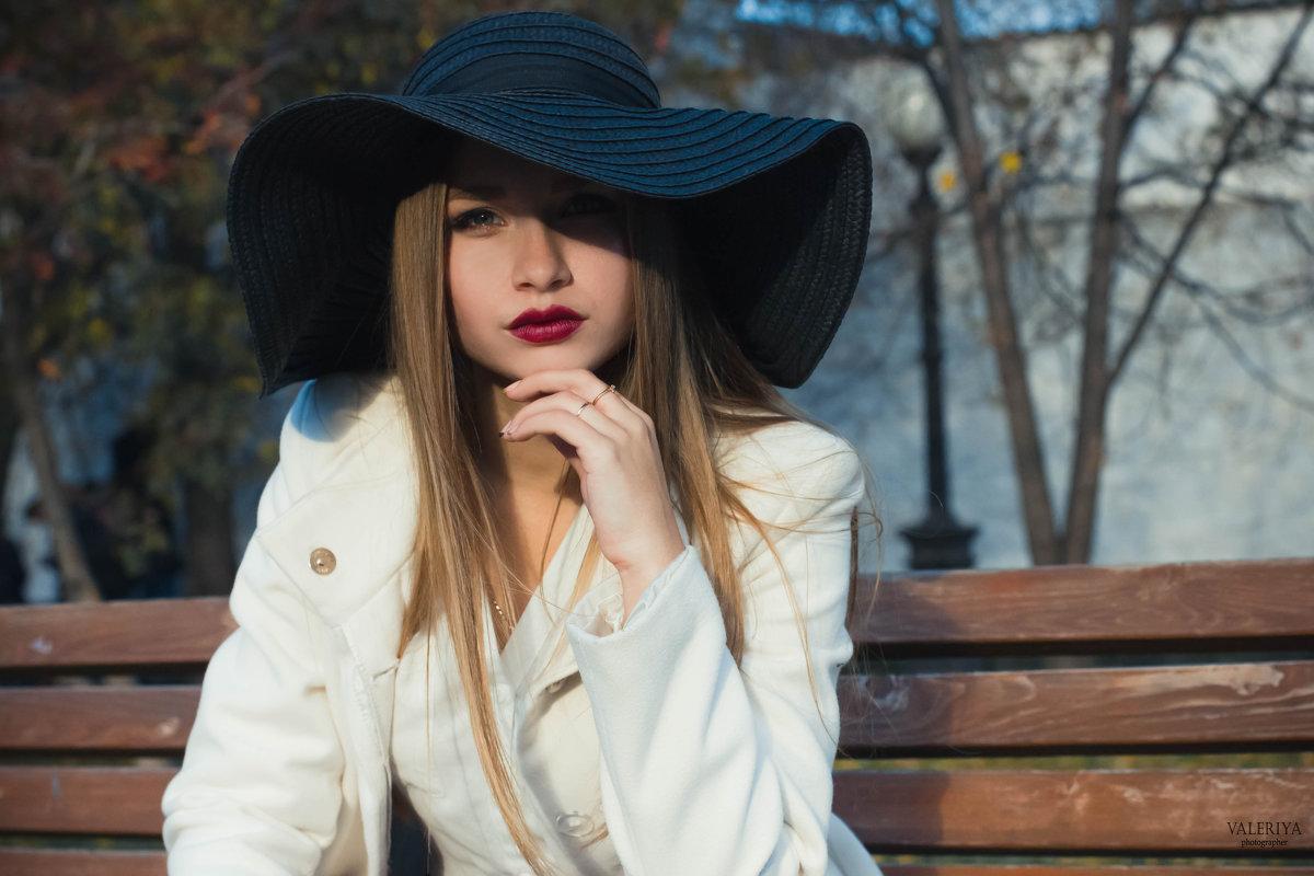 Незнакомка в шляпе - Валерия Photo