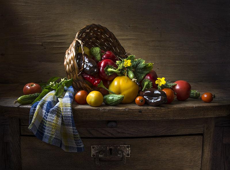 Овощи на салат. - Людмила Костюченко