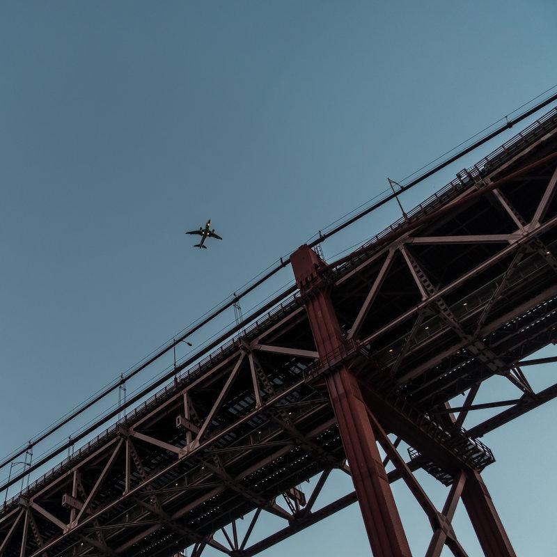 Мост 25 апреля в Лиссабоне, фрагмент - Dimirtyi