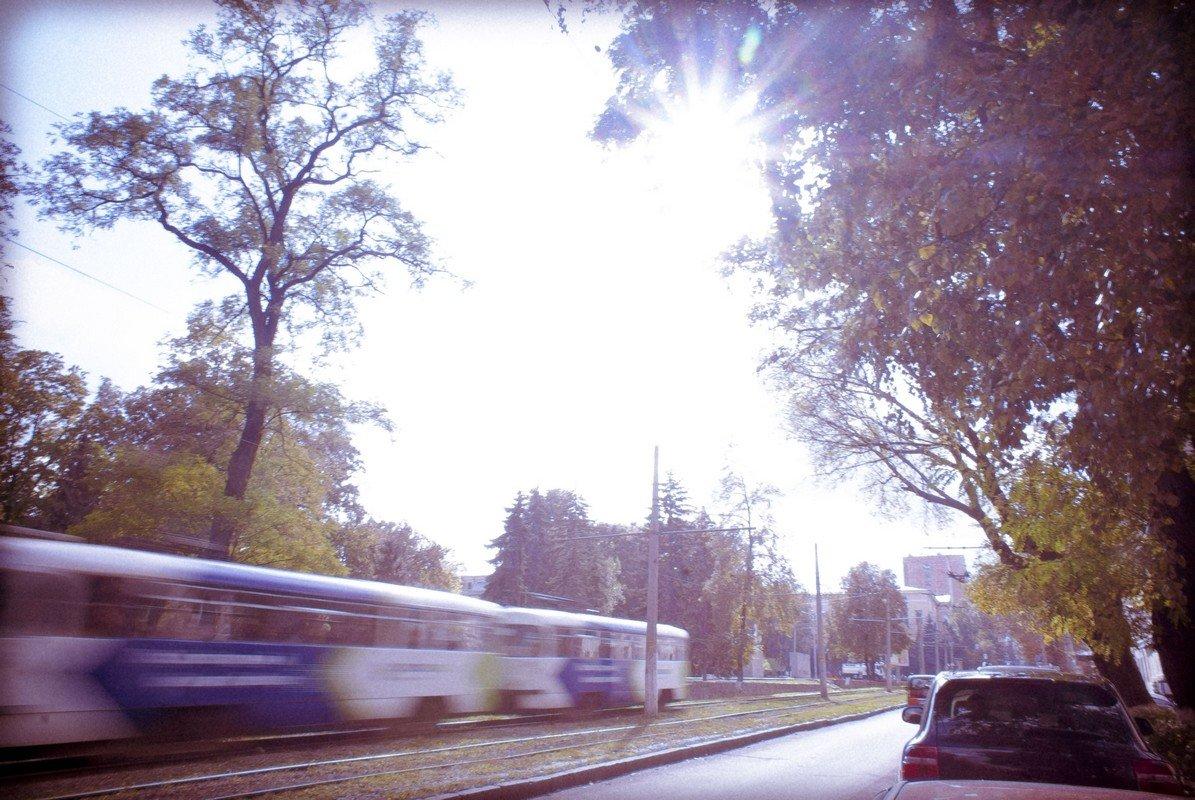 Октябрь: трамвай на Октябрьской. - Abdulaziz Mirzaakhmedov