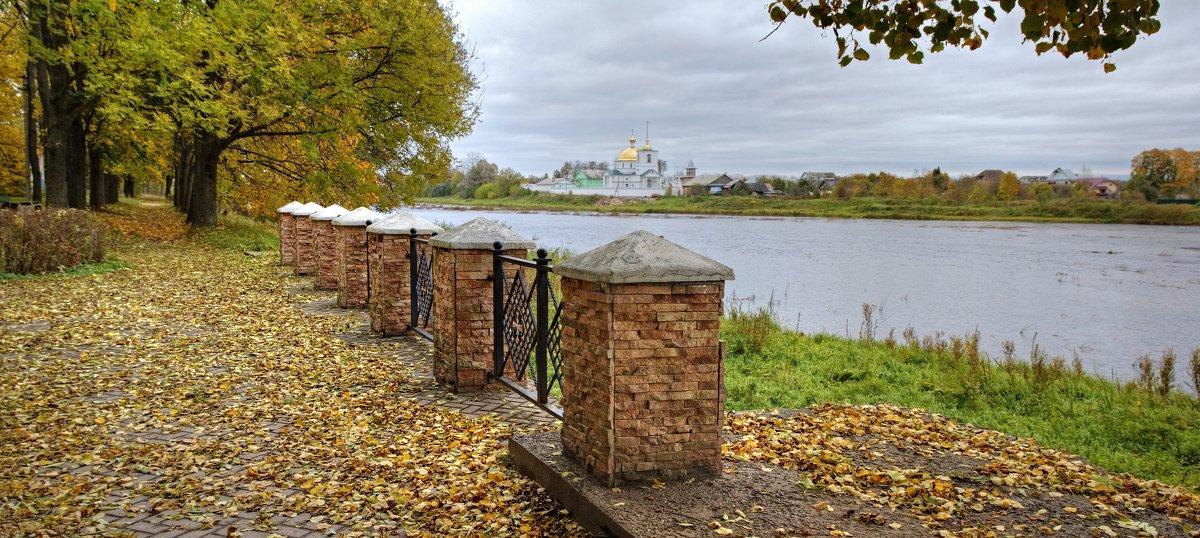 Вид на Спасо-Казанский Симанский монастырь - Константин