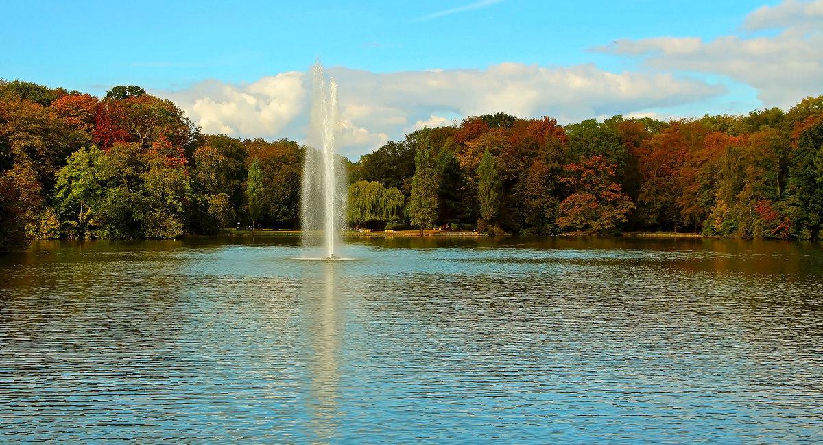 Озеро , фонтан - Alexander