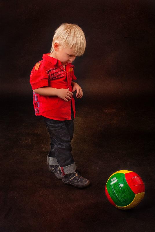 Непослушный мяч - Лариса Булавка