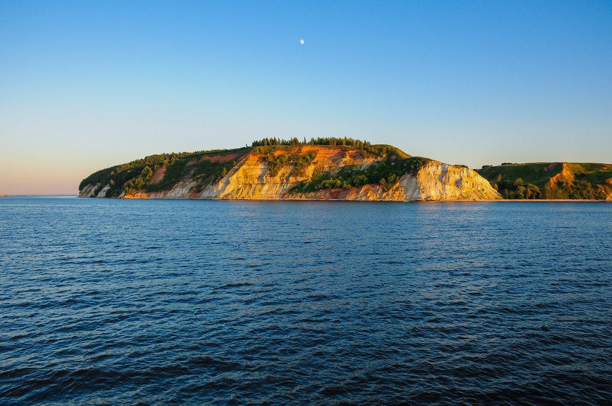 Скалистый берег Волги - Сергей Тагиров