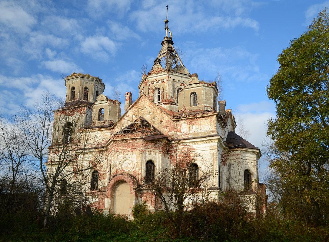 Руины церкви в селе Рель - Наталья Левина