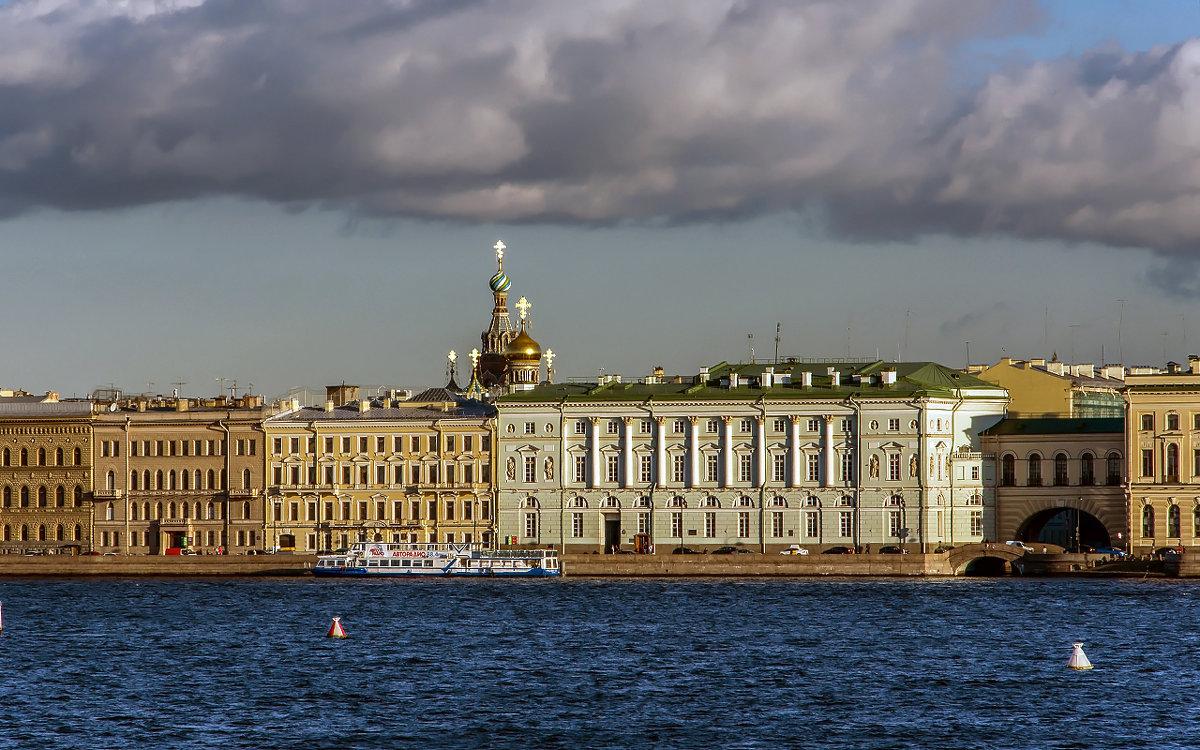 вид на Дворцовую набережную - Valerii Ivanov