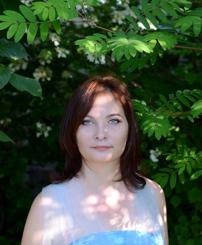 В саду - Ирина Голубятникова
