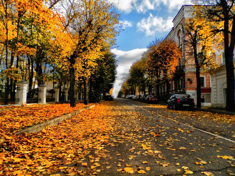 Октябрьская улица - Павел