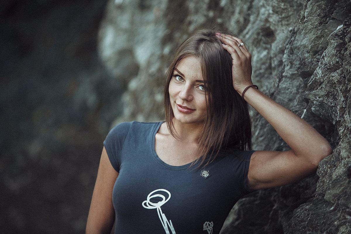 *** - Юрий Кащенко