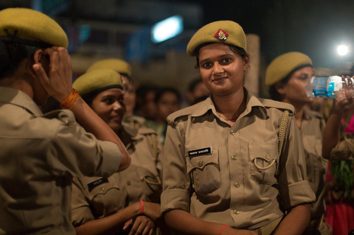 Прекрасное лицо индийской полиции - Елена Шацкова