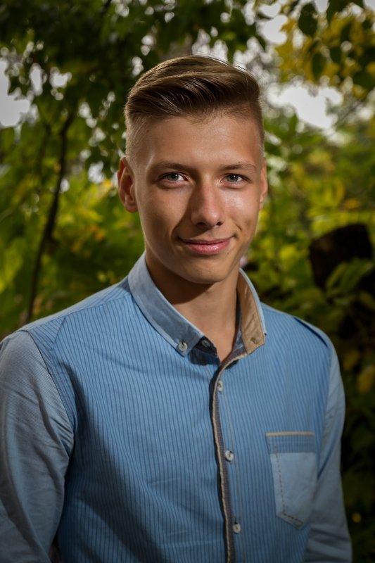 молодое поколение - Юрий Кальченко