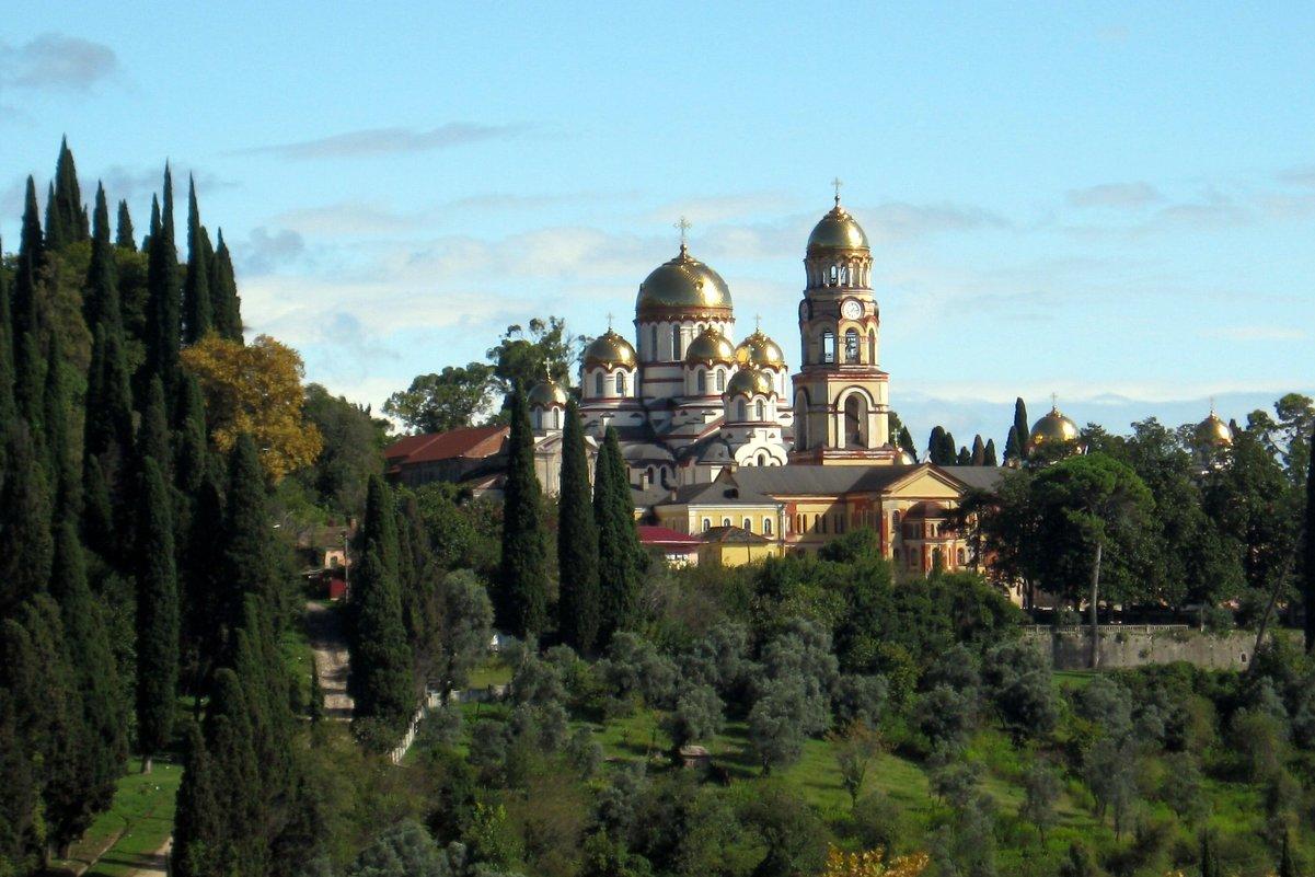 Вид на Новоафонский монастырь - Елена Павлова (Смолова)