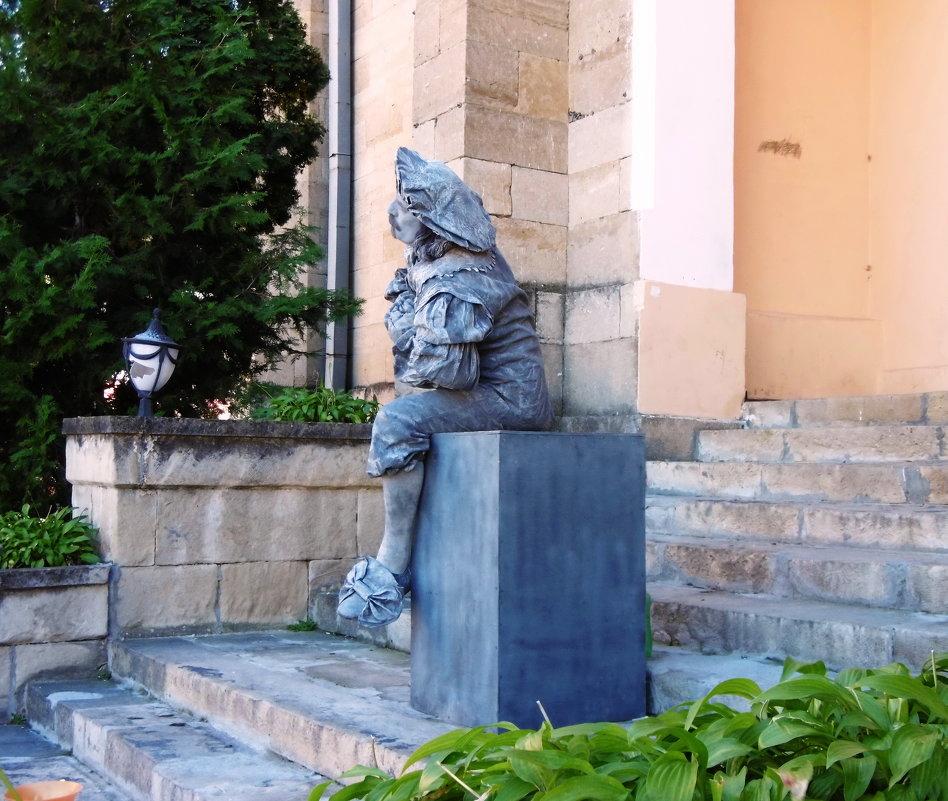 Кисловодск.Уличный артист - татьяна