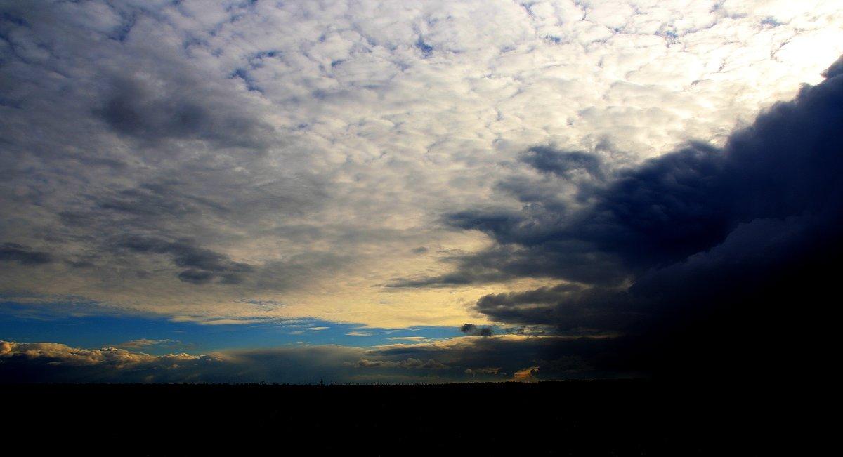 Так нас сегодня встретило небо. - Валерия  Полещикова