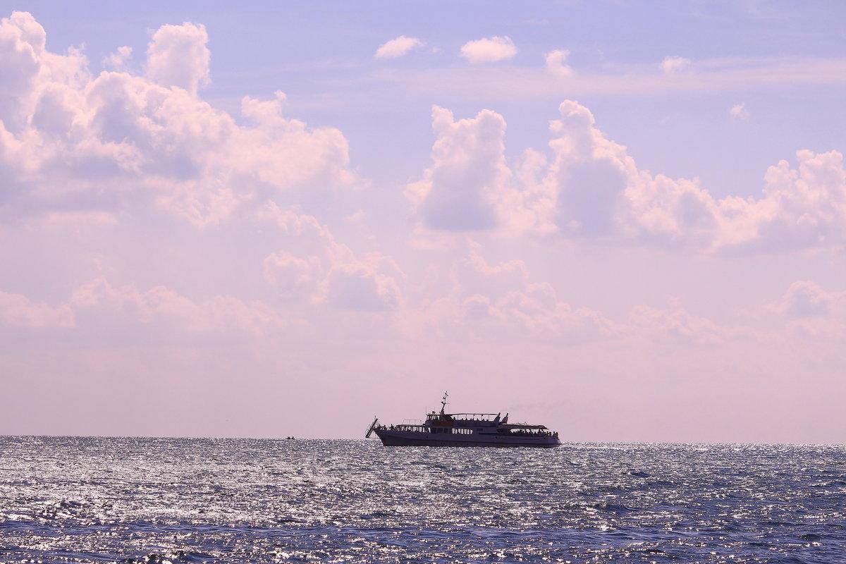 Море, море - мир бездонный - Татьяна Ломтева
