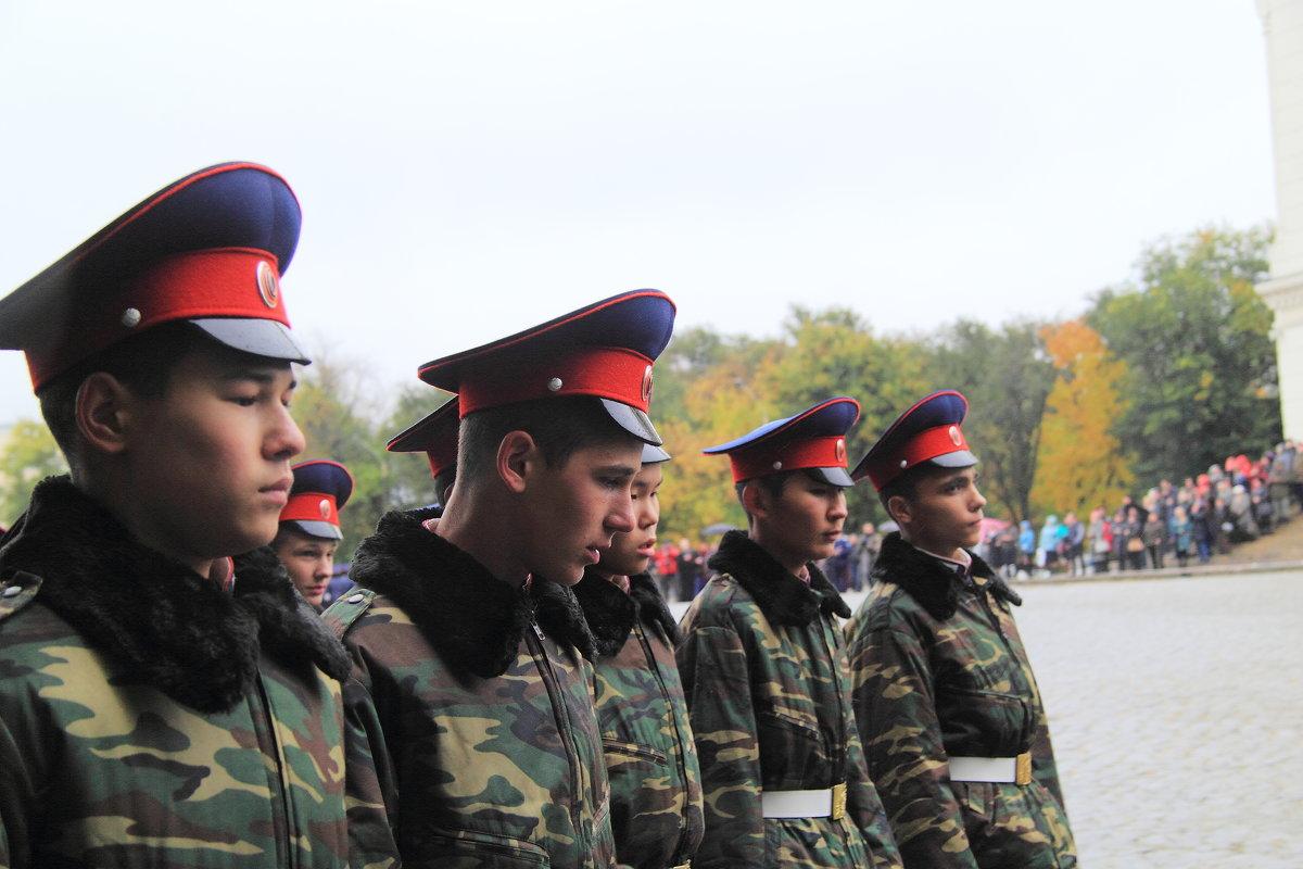 Казаки на параде - Юрий Гайворонский