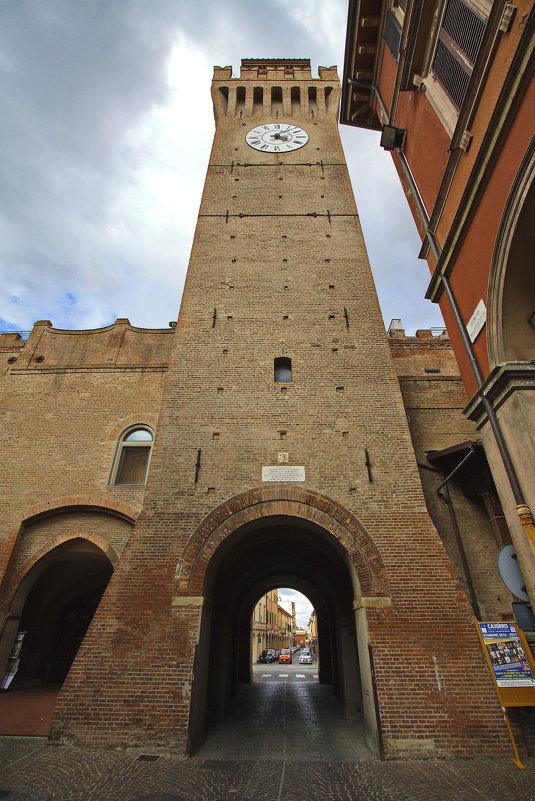 Башня с часами - M Marikfoto