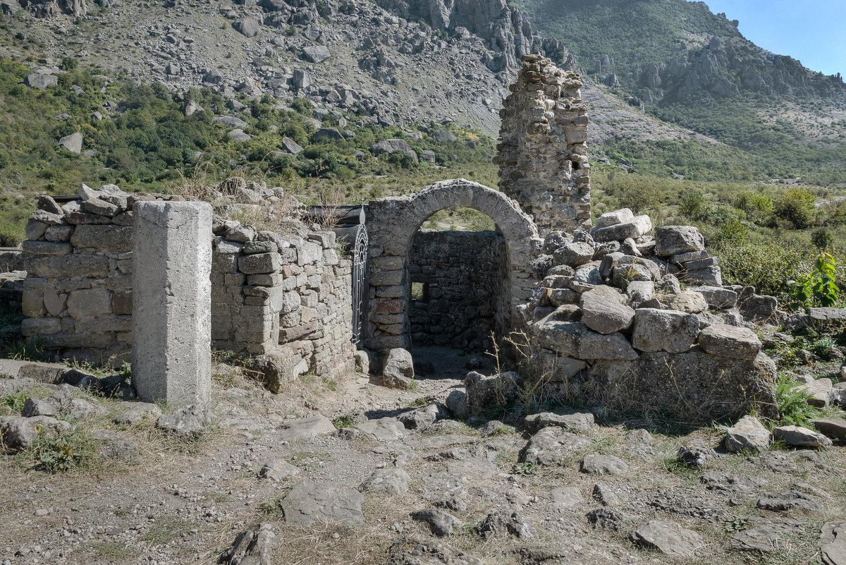 Средневековая крепость Фуна. - Анатолий Щербак