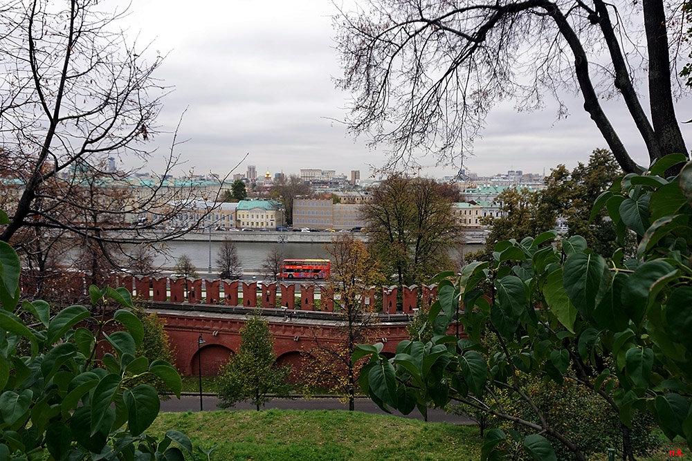 Осенняя Москва ... - Лариса Корженевская