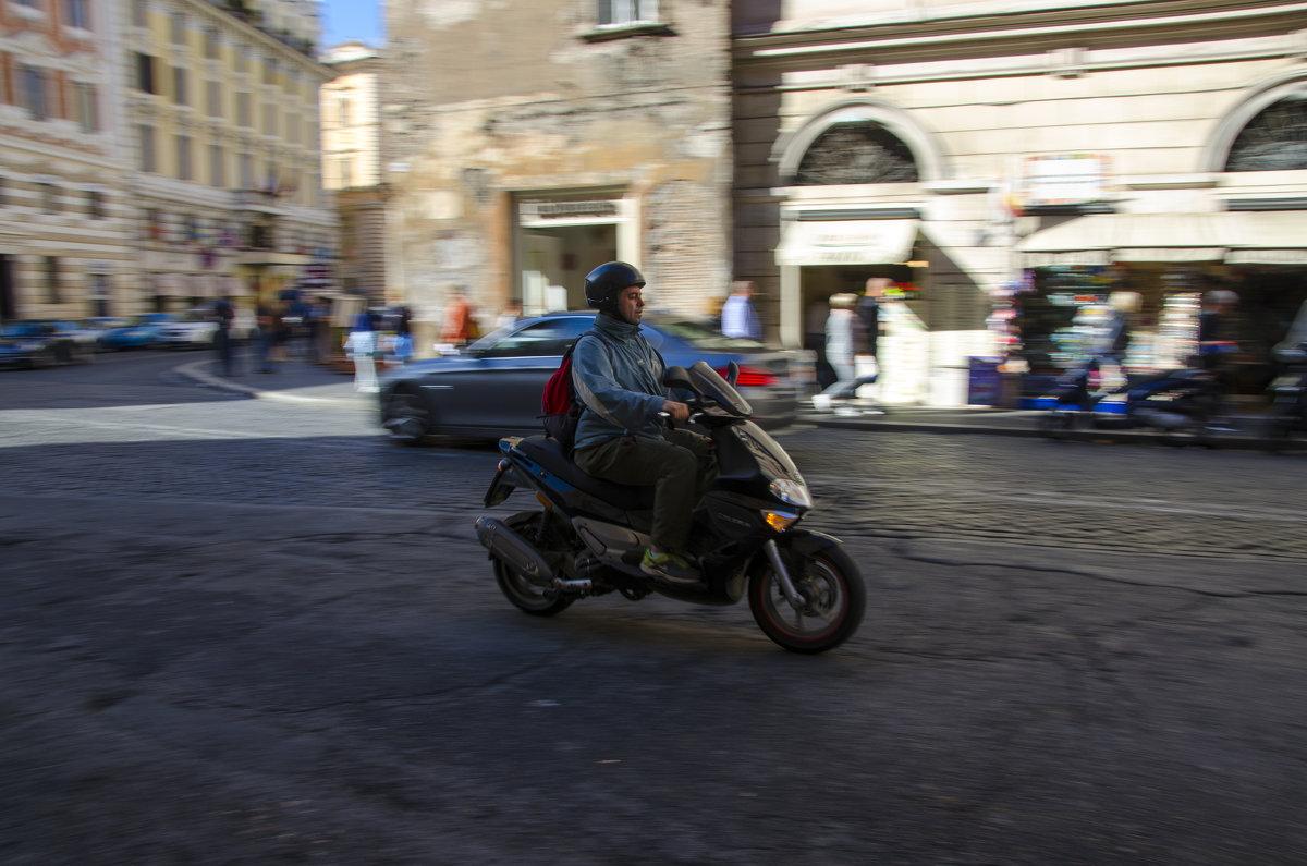 Движение. Рим. Италия - Ольга Кан